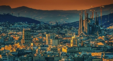 Spanish Architecture Tour – Gehry, Gaudi & back to the Royals ​